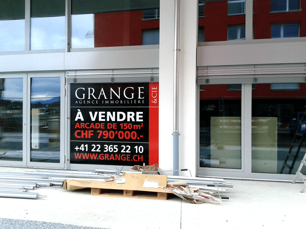 Autocollant-regie-grange-vitrine-Atelier-Grosfort3
