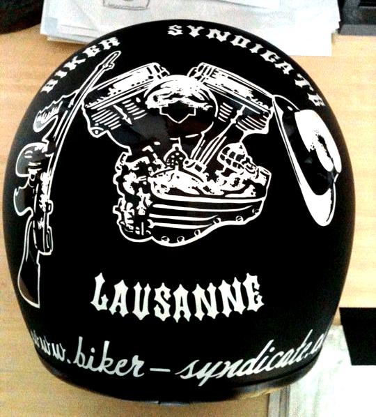 Casque-de-moto-sticker-Atelier-Grosfort2