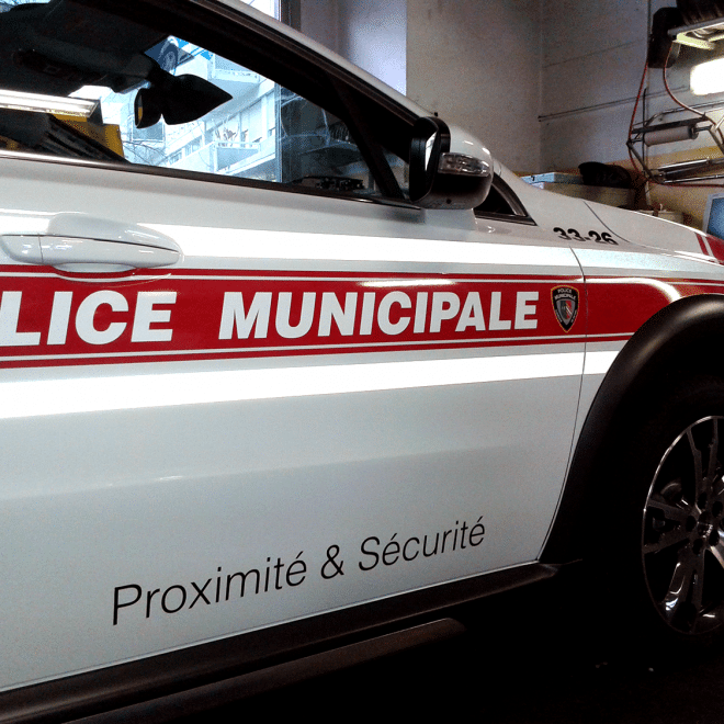 Voiture-Police-Municipale-Marquage-Publicitaire-Covering-Atelier-Grosfort7